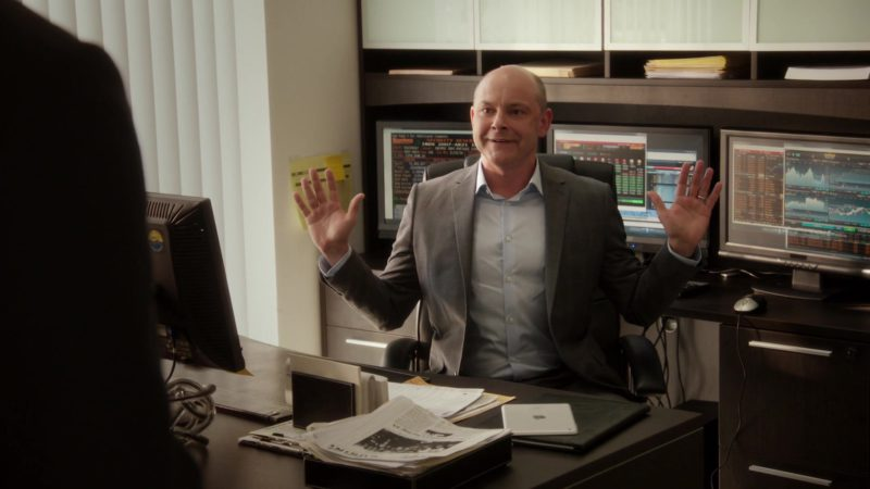 "Apple iPad Tablet Used by Rob Corddry (Joe) in Ballers: Season 1, Episode 1, ""Pilot"" (2015) TV Show Product Placement"