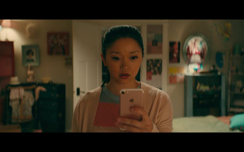 Apple iPhone Used by Lana Condor in To All the Boys I've Loved Before (3)