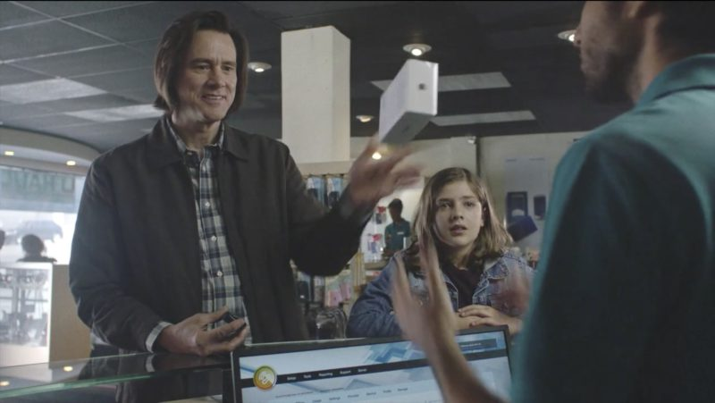 """Apple iPhone in Kidding: Season 1, Episode 4, """"Bye, Mom"""" (2018) - TV Show Product Placement"""