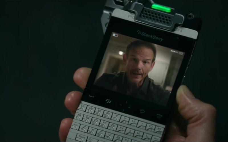 Blackberry Porsche Design Smartphone Used by Lauren Cohan in Mile 22 (4)