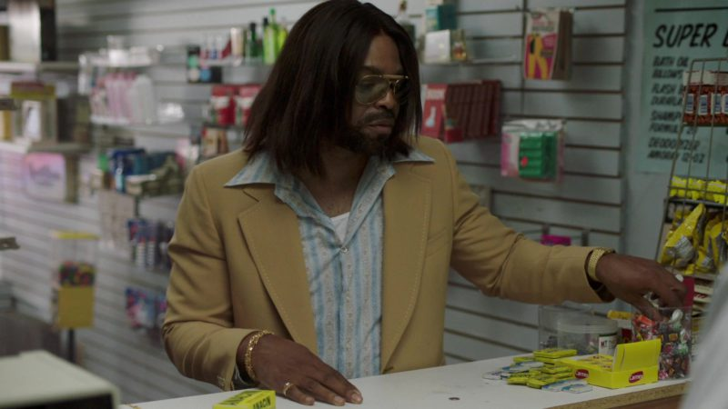 """Carmex Lip Balm in The Deuce Season 2 Episode 8: """"Nobody Has to Get Hurt"""" (2018) - TV Show Product Placement"""