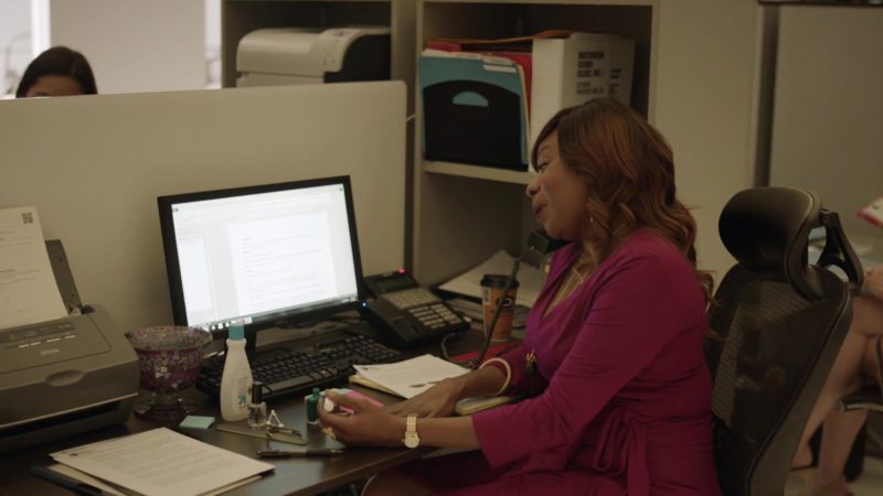 """Epson Printer and Dell Monitor in Ballers: Season 1, Episode 10, """"Flamingos"""" (2015) - TV Show Product Placement"""