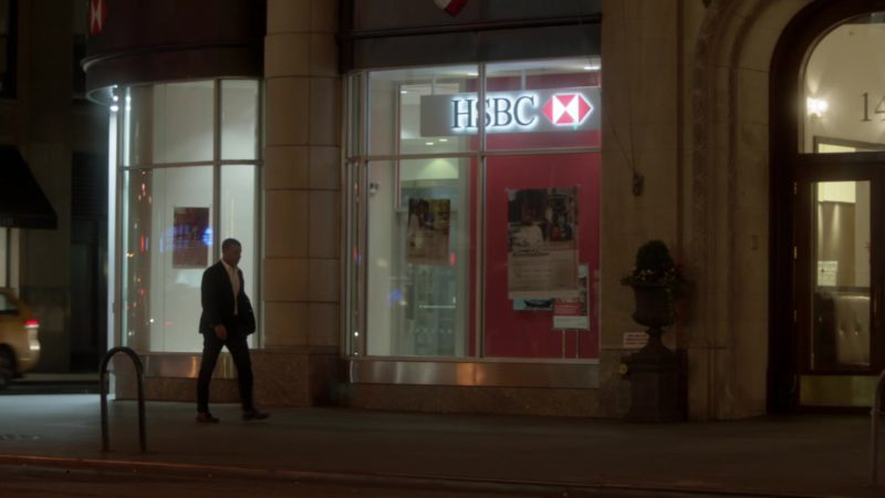 "HSBC Bank in Ray Donovan Season 6, Episode 1, ""Staten Island"": Part 1 (2018) - TV Show Product Placement"