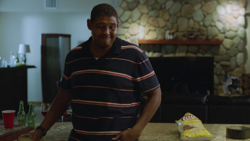 """Heineken Beer and Lay's Chips in Ballers: Season 1, Episode 6, """"Everything Is Everything"""" (2015) - TV Show Product Placement"""
