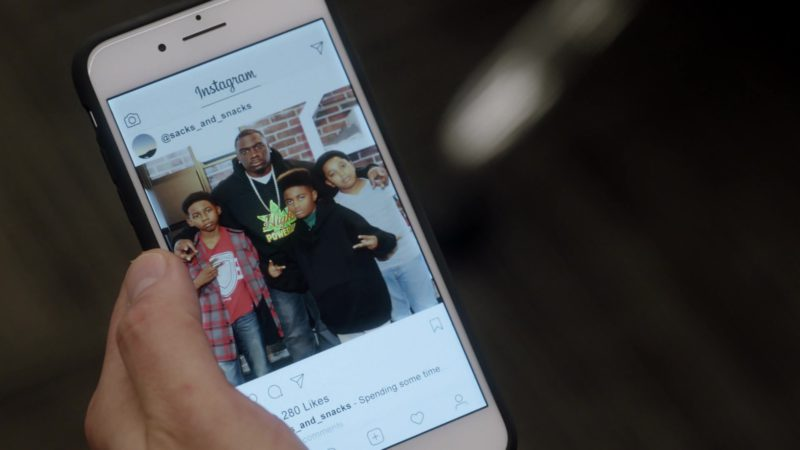 "Instagram Application in Ballers: Season 3, Episode 2, ""Bull Rush"" (2017) TV Show Product Placement"