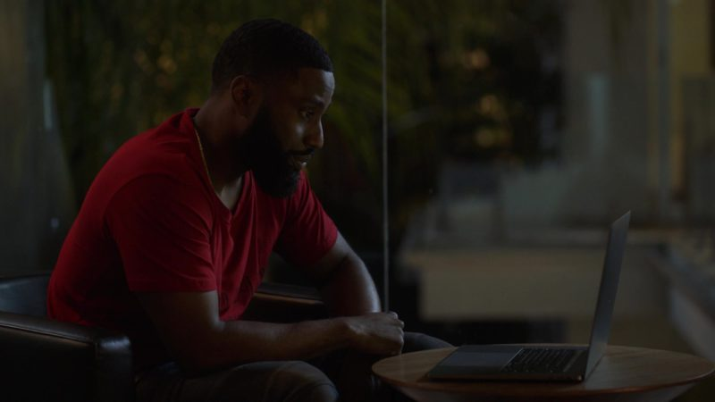 "MacBook Pro Laptop Used by John David Washington in Ballers: Season 3, Episode 5, ""Make Believe"" (2017) - TV Show Product Placement"