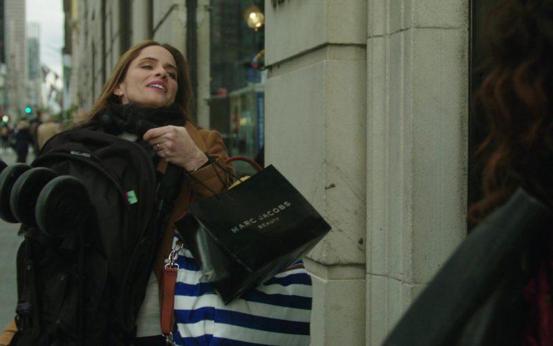 Marc Jacobs Beauty Bag Held by Amanda Peet in The Romanoffs Season 1 Episode 4 (1)