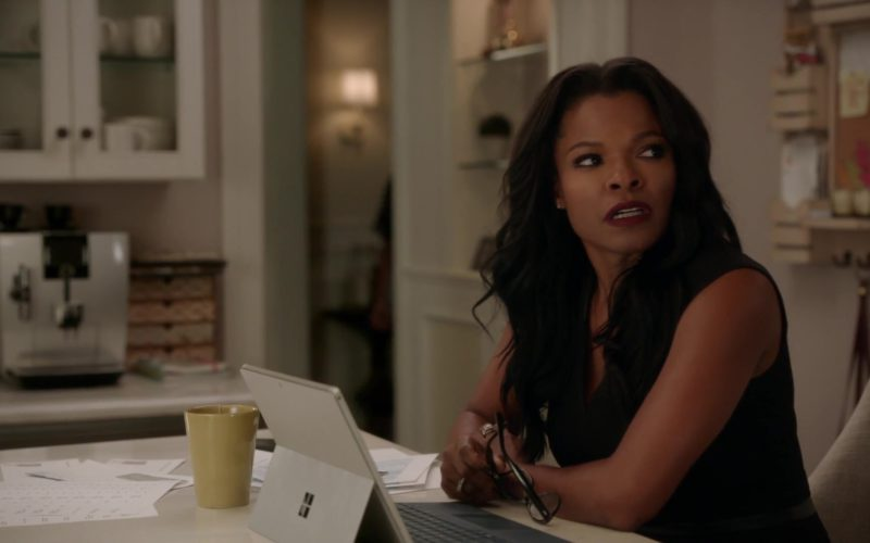 Microsoft Surface Tablet Used by Keesha Sharp (Trish Murtaugh) in Lethal Weapon Season 3 Episode 5 (8)