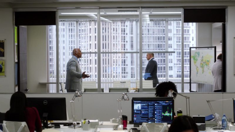 "Monitors by Dell in Ballers: Season 3, Episode 6, ""I Hate New York"" (2017) TV Show Product Placement"
