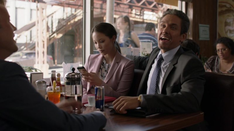 """Red Bull in Shameless: Season 9, Episode 6, """"Face It, You're Gorgeous"""" (2018) TV Show Product Placement"""