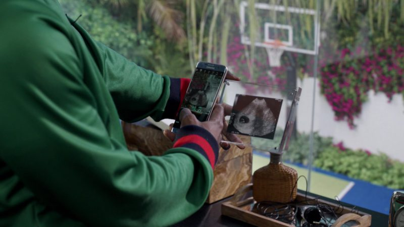 """Samsung Galaxy Smartphone Used by John David Washington in Ballers: Season 3, Episode 9, """"Crackback"""" (2017) - TV Show Product Placement"""