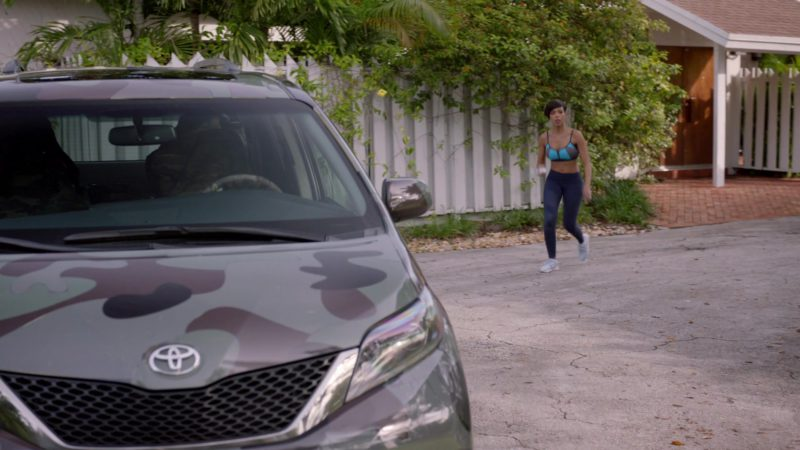 "Toyota Sienna Minivan in Ballers: Season 2, Episode 5, ""Most Guys"" (2016) - TV Show Product Placement"
