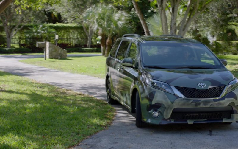 Toyota Sienna Minivan in Ballers (1)