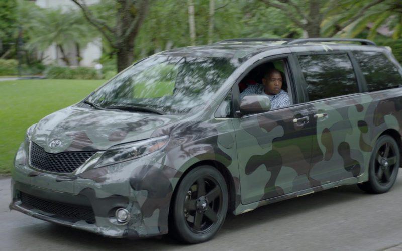 Toyota Sienna Minivan in Ballers (3)