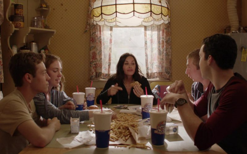 White Castle Food and Drinks in Shameless (4)