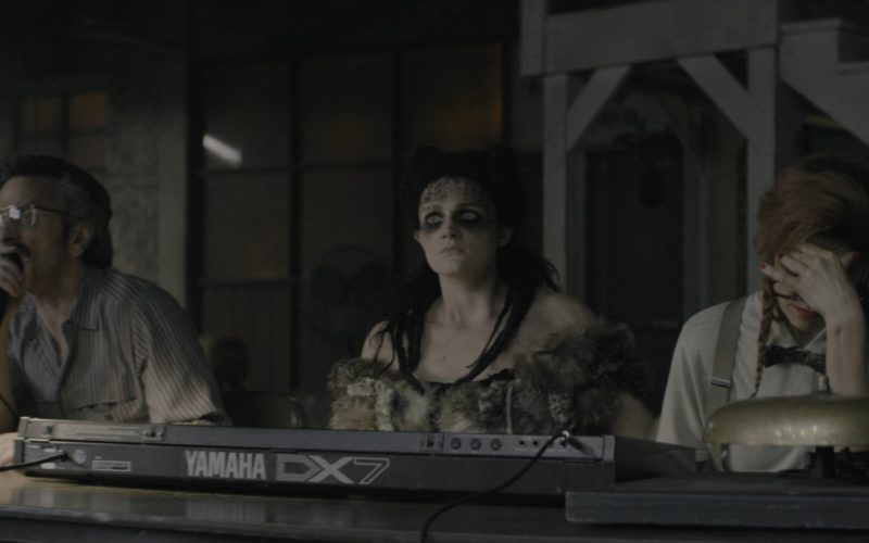 Yamaha DX7 Synthesizer in Glow Season 1 Episode 7 (6)