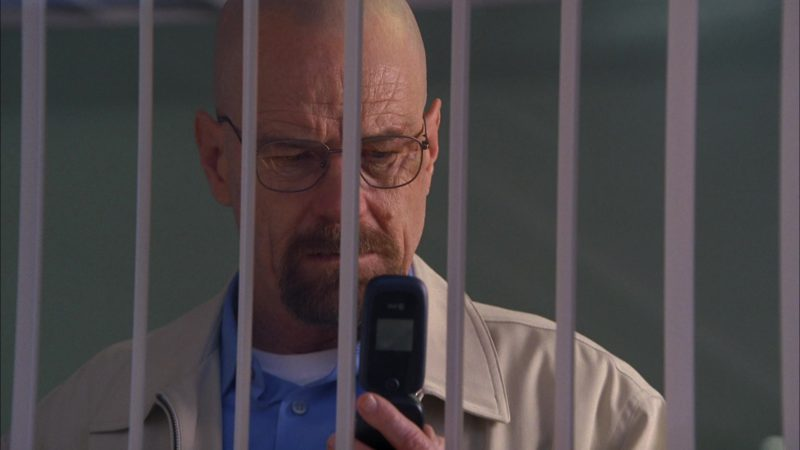 """AT&T Cell Phone Used by Bryan Cranston (Walter White) in Breaking Bad Season 5 Episode 13 """"To'hajiilee"""" (2012) - TV Show Product Placement"""