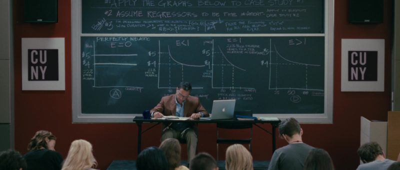 Apple MacBook Pro 15-inch Laptop in The Back-up Plan (2010) Movie Product Placement