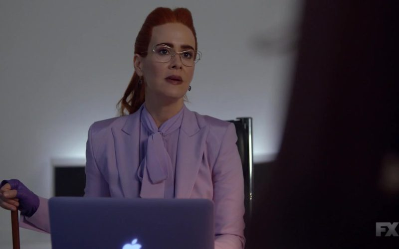 Apple MacBook Pro Laptop Used by Sarah Paulson in American Horror Story (1)