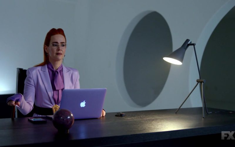 Apple MacBook Pro Laptop Used by Sarah Paulson in American Horror Story (3)