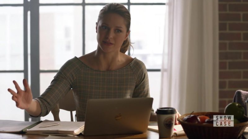 Apple Macbook 12-inch Laptop in Supergirl Season 4 Episode 5: Parasite Lost (2018) TV Show Product Placement