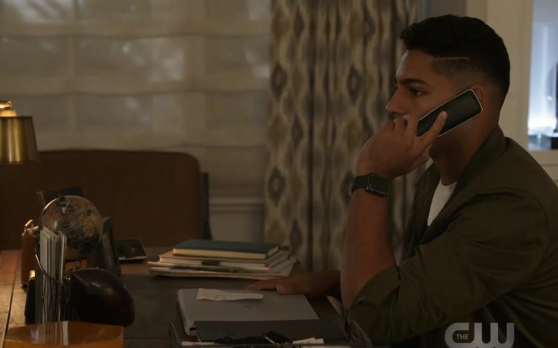 Apple Watch Smartwatch Worn by Michael Evans Behling in All American Season 1 Episode 4