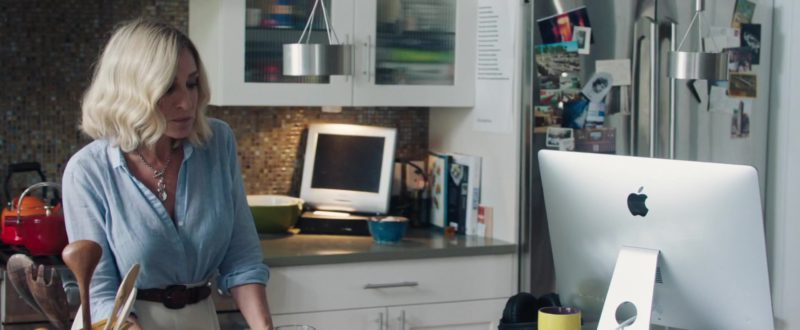 Apple iMac Computer Used by Sarah Jessica Parker in Blue Night (2018) - Movie Product Placement
