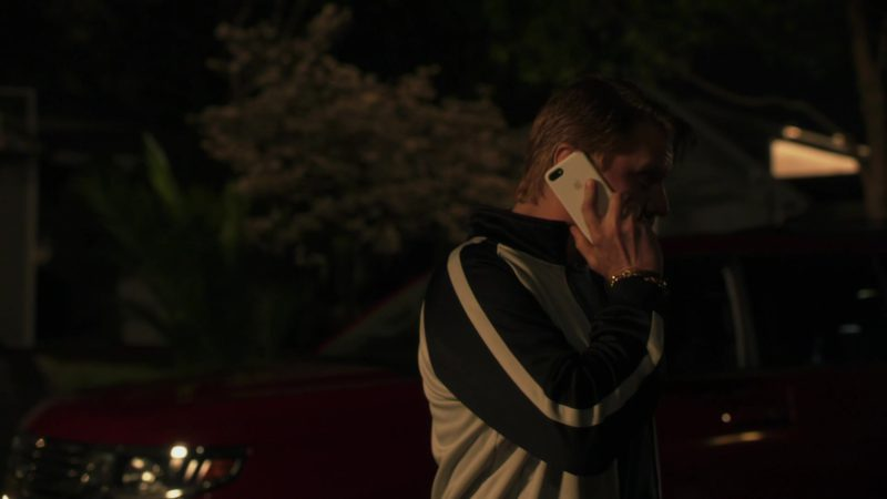 """Apple iPhone Used by Dash Mihok (Bunchy) in Ray Donovan Season 6 Episode 2 """"Staten Island, Part Two"""" (2018) - TV Show Product Placement"""