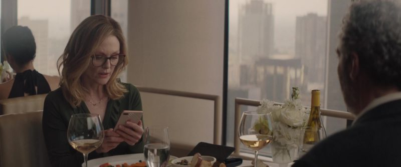 Apple iPhone Used by Julianne Moore in Gloria Bell (2018) - Movie Product Placement