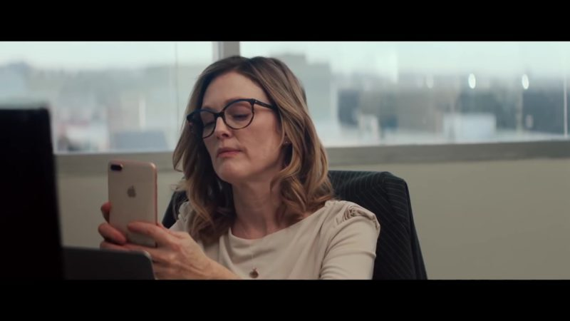 Apple iPhone Used by Julianne Moore in Gloria Bell (2018) Movie Product Placement