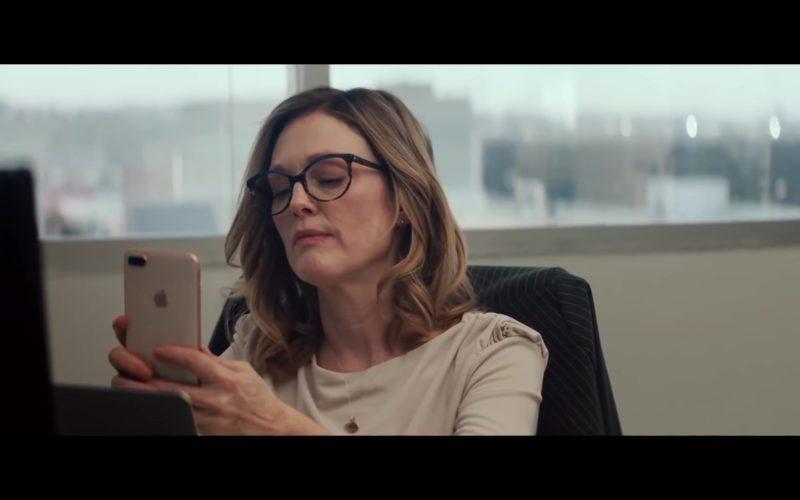 Apple iPhone Used by Julianne Moore in Gloria Bell