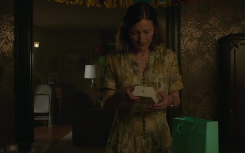 Apple iPhone Used by Kelly Macdonald in Puzzle (1)