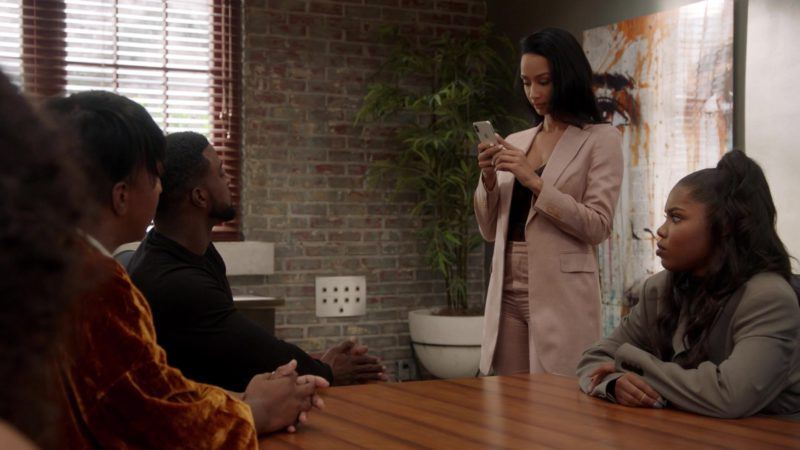 Apple iPhone in Star Season 3 Episode 7: Karma (2018) - TV Show Product Placement