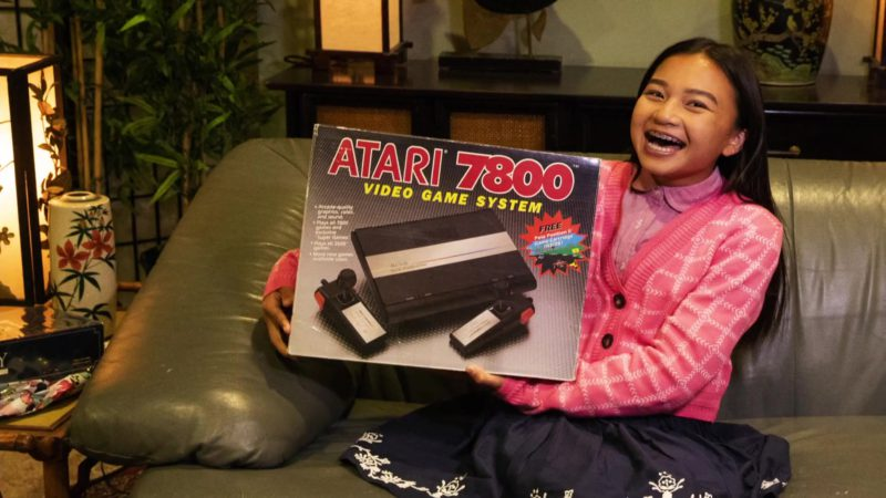 Atari 7800 Video Game Console in Young Sheldon Season 2 Episode 8: An 8-Bit Princess and a Flat Tire Genius (2018) - TV Show Product Placement