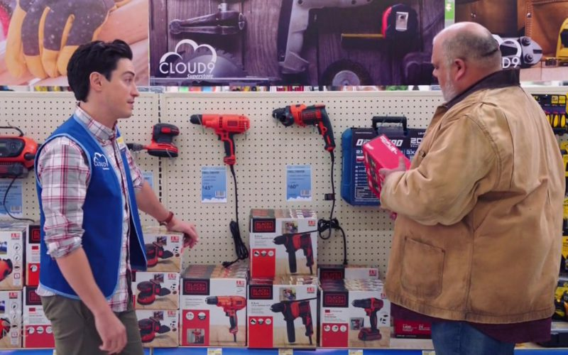 Black & Decker in Superstore Season 4 Episode 7 (1)