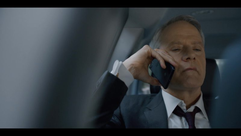 Blackberry Smartphone Used by Campbell Scott in House of Cards Season 6 Episode 3 Chapter 68 (2018) - TV Show Product Placement
