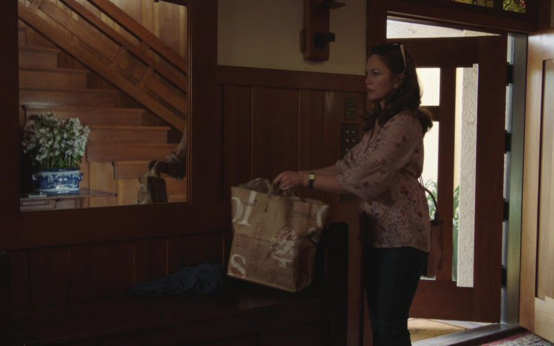 Bristol Farms Grocery Store Paper Bags in The Romanoffs Season 1, Episode 5 (2)