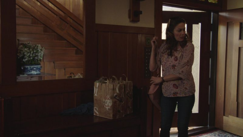 """Bristol Farms Grocery Store Paper Bags in The Romanoffs Season 1, Episode 5, """"Bright and High Circle"""" (2018) TV Show"""