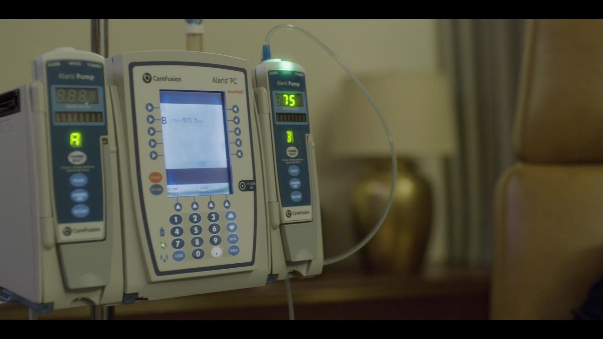 Carefusion Alaris Pc Pump In House Of Cards Season 6 Episode 7