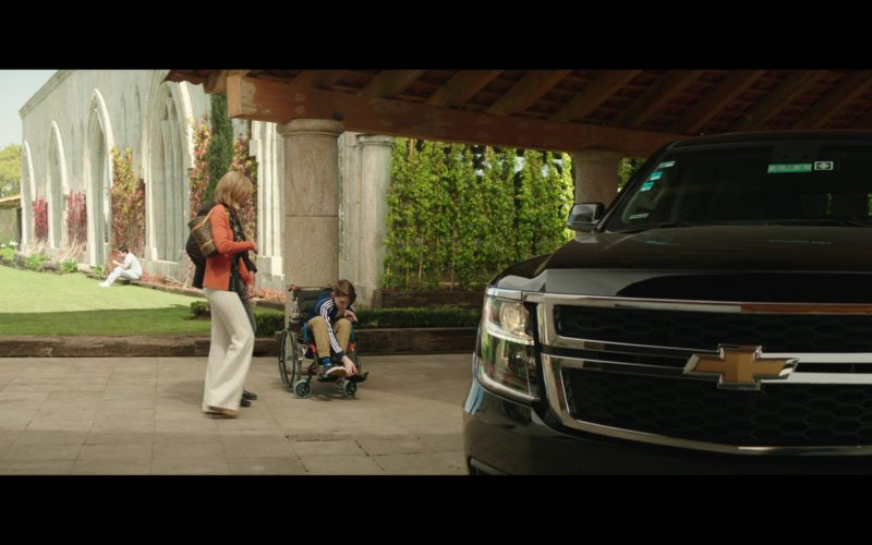 Chevrolet Suburban SUV in The Romanoffs Season 1 Episode 6 (3)