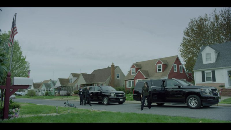 Chevrolet Suburban Sport Utility Vehicles in House of Cards Season 6 Episode 2 Chapter 67 (2018) - TV Show Product Placement