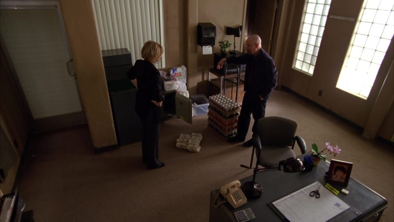 """Coca-Cola Zero, Coca-Cola, Dr Pepper, Sprite and Diet Coke Soft Drinks in Breaking Bad Season 4 Episode 7 """"Problem Dog"""" (2011) - TV Show Product Placement"""
