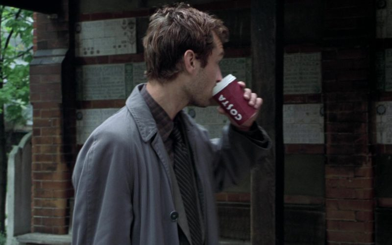 Costa Coffee Paper Cup Held by Jude Law in Closer (2)