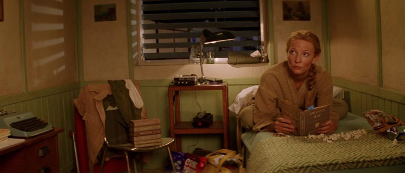 Crik Crok Potato Chips in The Life Aquatic with Steve Zissou (2004) - Movie Product Placement