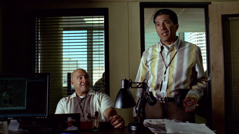 Dell Monitor in Breaking Bad Season 2 Episode 5: Breakage (2009) TV Show Product Placement