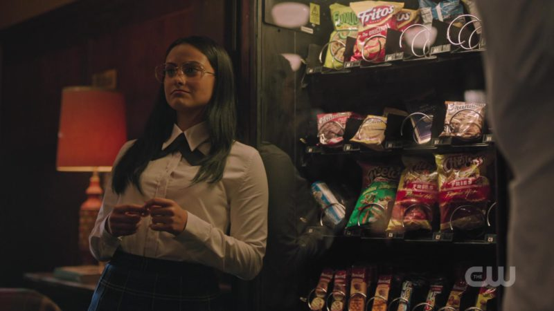 Fritos Potato Chips, Cheetos Cheese Flavored Snacks and Chester's Fries in Riverdale Season 3, Episode 4: 'The Midnight Club' (2018) TV Show Product Placement
