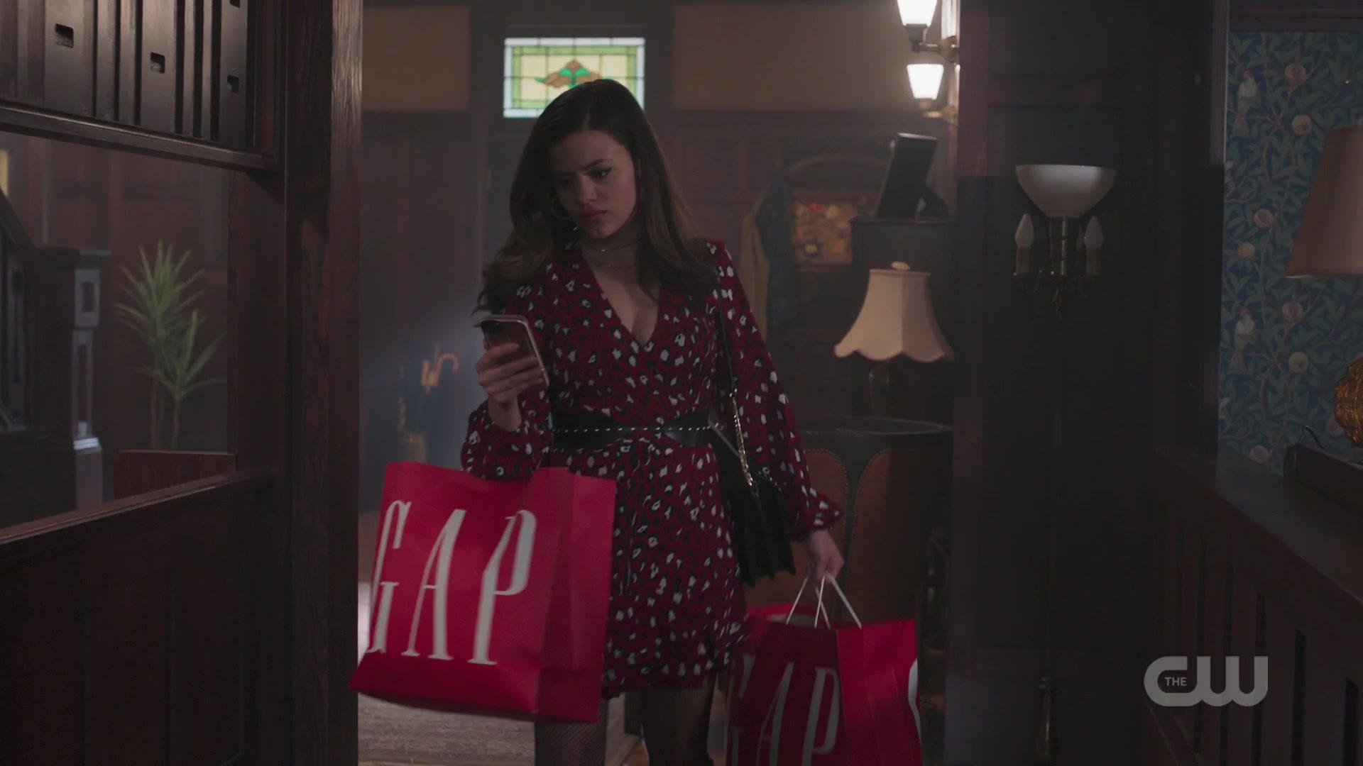 GAP in Charmed Season 1 Episode 5
