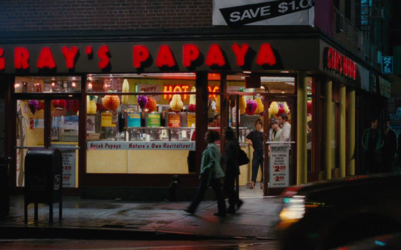 Gray's Papaya Restaurant and Food in The Back-up Plan (1)