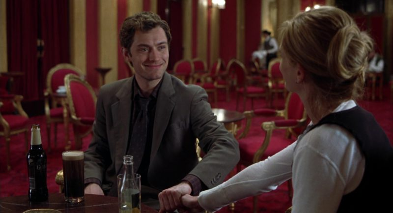Guinness Beer Drunk by Jude Law in Closer (2004) Movie Product Placement