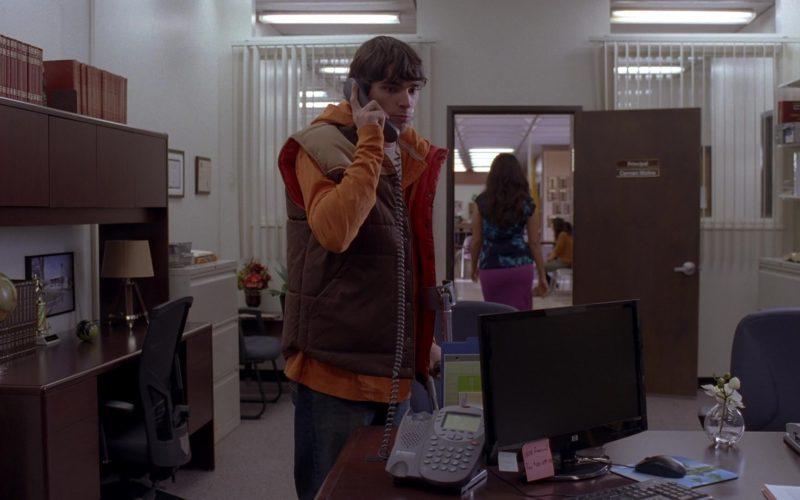 HP Monitors in Breaking Bad Season 5 Episode 15 (4)